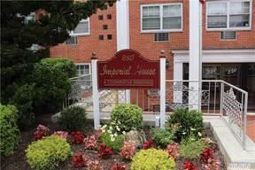 Rockville Centre NY Co-op For Sale: $229,000