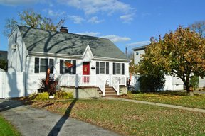 Oceanside NY Single Family Home For Sale: $399,000