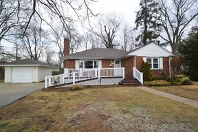 Valley Stream NY Single Family Home For Sale: $459,000
