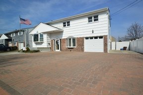 Oceanside NY Single Family Home For Sale: $619,000