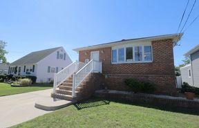 Oceanside NY Single Family Home For Sale: $409,000