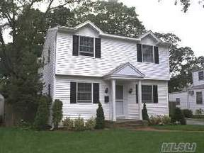 Valley Stream  NY Single Family Home For Sale: $489,000