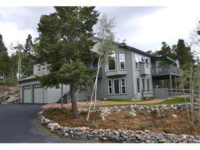 Residential : 11647 Leavenworth Dr