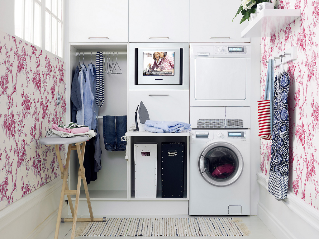 Laundry Room Reveal via Hometalker Simplicity in the South