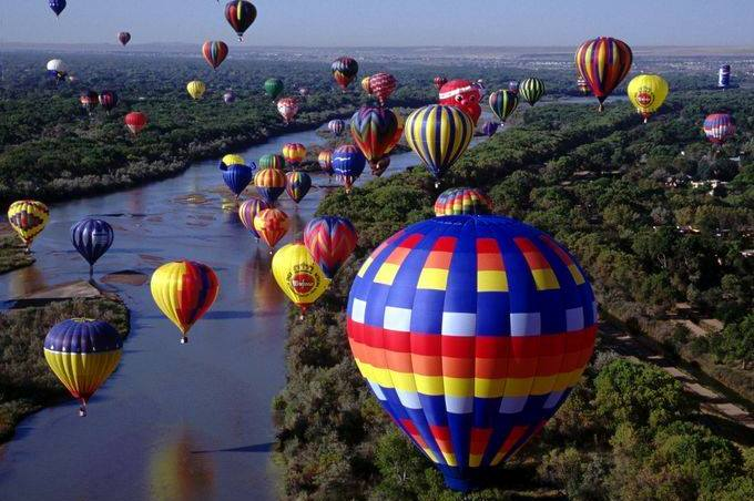 Ballooning over the lake