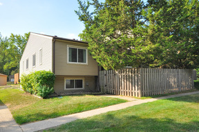 Condo/Townhouse Sold: 3463 Greenwood Court S