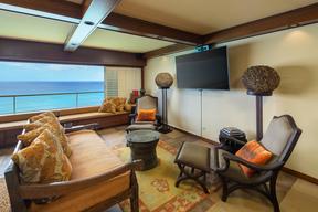 Honolulu HI Condo/Townhouse For Sale: $2,395,000 Fee Simple