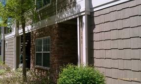 Residential : 4385 S Balsam St #101
