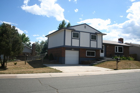 Residential : 9356 W Maplewood