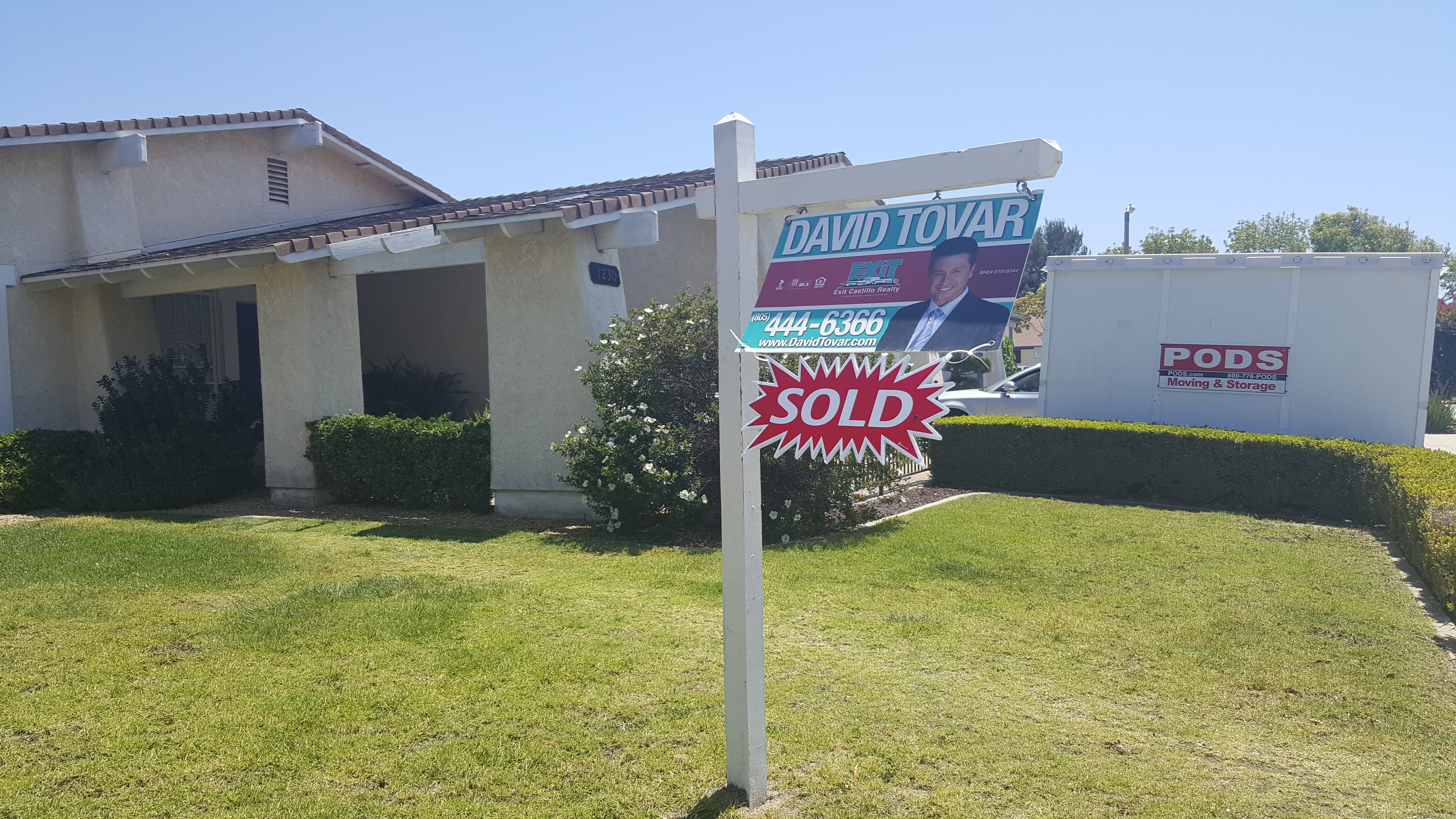 SOLD 1230 Lookout Drivi Oxnard CA by David Tovar of Exit Castillo Realty