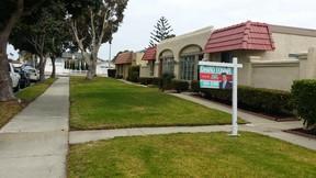 Condo/Townhouse Sold: 3015 Isle Way #B