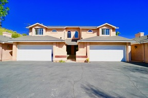 Santa Clarita  CA Townhouse For Sale: $435,000