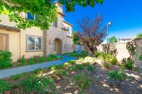Valencia CA Residential Sale Pending: $499,000