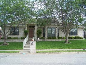Residential For Sale: 210 Oak Hill Dr