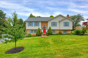 Boiling Springs PA Single Family Home For Sale: $249,900