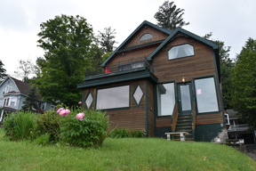 Saranac Lake NY Single Family Home For Rent: $2,500 Per Week