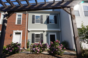 Single Family Home Available Now: 3925 Colonial Green Circle