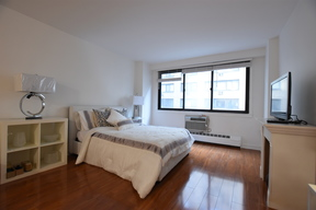 co-op For Sale: 16 West 16th Street #6HN