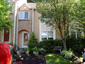 Reading PA Townhouse For Sale: $154,900