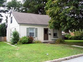 Reading PA Single Family Home For Sale: $123,500