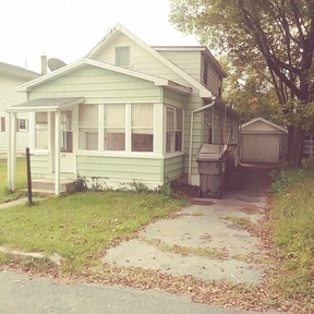 Reading PA Single Family Home For Sale: $79,000