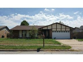 Single Family Home Sold: 11802 E 80th ST N