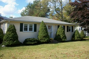 Cromwell CT Single Family Home Leased: $1,250
