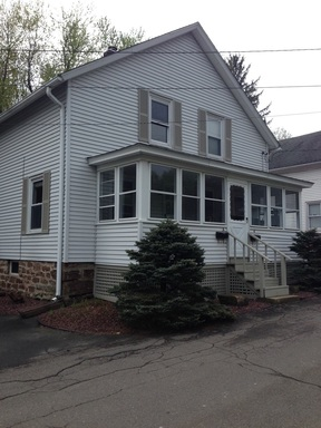 Cromwell CT Duplex Leased: $1,100