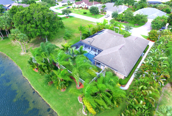 LUXURY LAKEFRONT POOL HOME IN GATED HUNTER'S RUN VERO BEACH FLORIDA