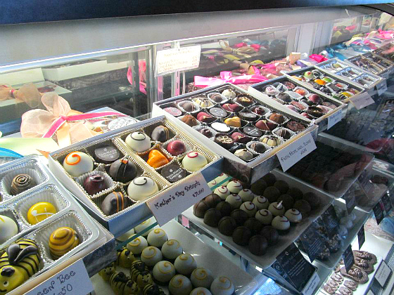 ESTABLISHED CHOCOLATE SHOP FOR SALE IN CHARMING VERO BEACH FLORIDA