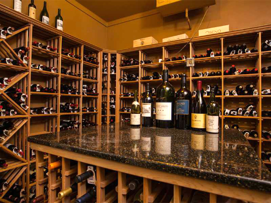 PALM ISLAND PLANTATION HOME VERO BEACH WITH WINE ROOM