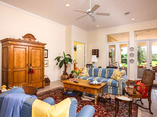 RIVERWIND VERO BEACH GATED LAKEFRONT HOME 3 BEDROOMS 2.5 BATHS