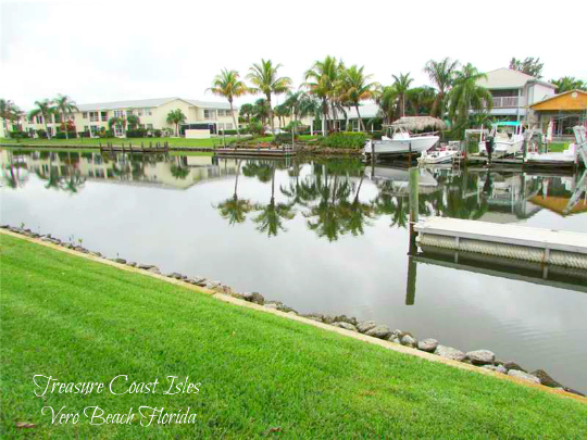 TREASURE COAST ISLES WATERFRONT CONDOS VERO BEACH FLORIDA WITH DOCKS