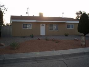 Residential : 2413 Gretta St. NE