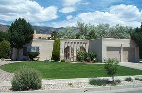 Residential : 1408 Monte Largo NE