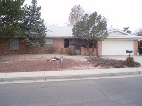 Residential : 3809 Parsifal St. NE