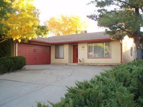 Residential : 3832 Piermont NE
