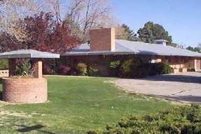 Residential : 631 Graceland SE