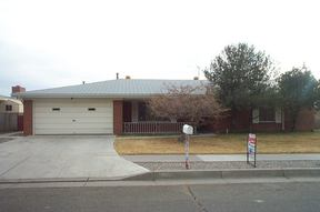 Residential : 12304 Pine Ridge NE