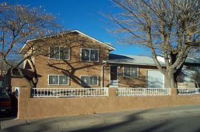 Residential : 10913 Los Arboles NE