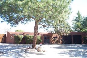 Residential : 7321 Aztec NE