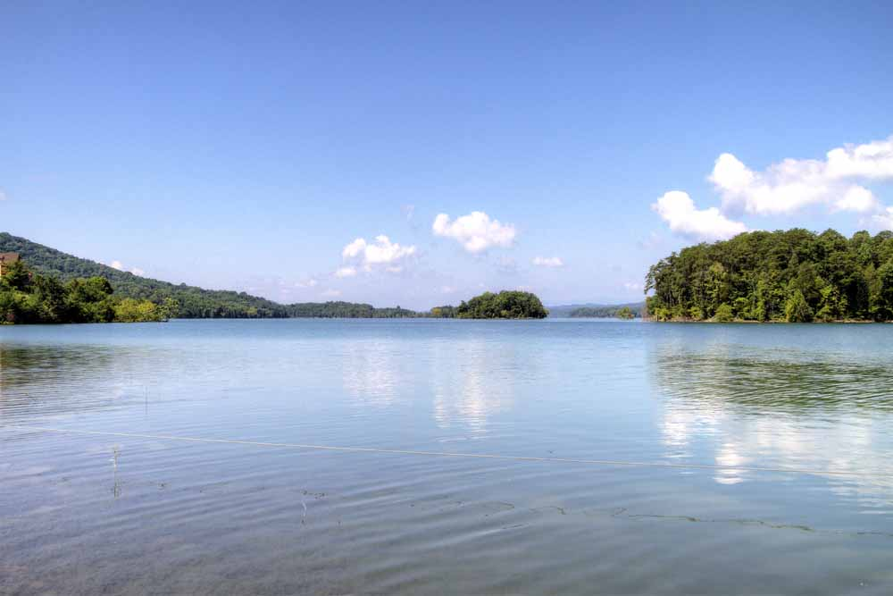 Lake Front Condos for Sale in Norris Lake TN