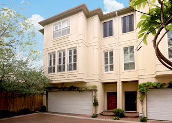 Townhomes and condos for rent in the inner loop of houston for Hawaii townhomes for rent