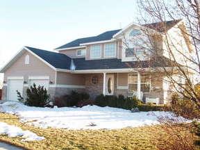 Residential Sold: 202 E Davis Lane