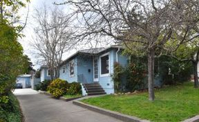 Single Family Home For Sale: 708-710 Oak Terrace