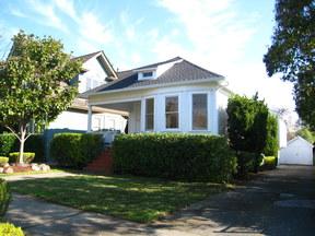 Single Family Home For Sale: 917 B Street