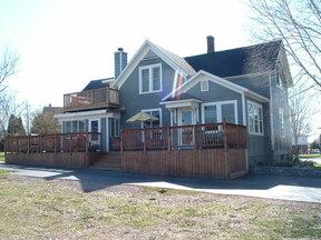 Residential Closed: 915 Flint St