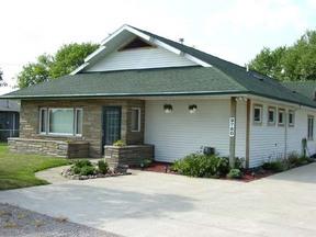 Residential Closed: 9760 Freeland Rd W