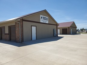 Storage Unit For Rent: Meadow Lark Storage Units: 827 E Plaza lane