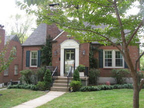 Single Family Home Sold: 916 Greeley Ave